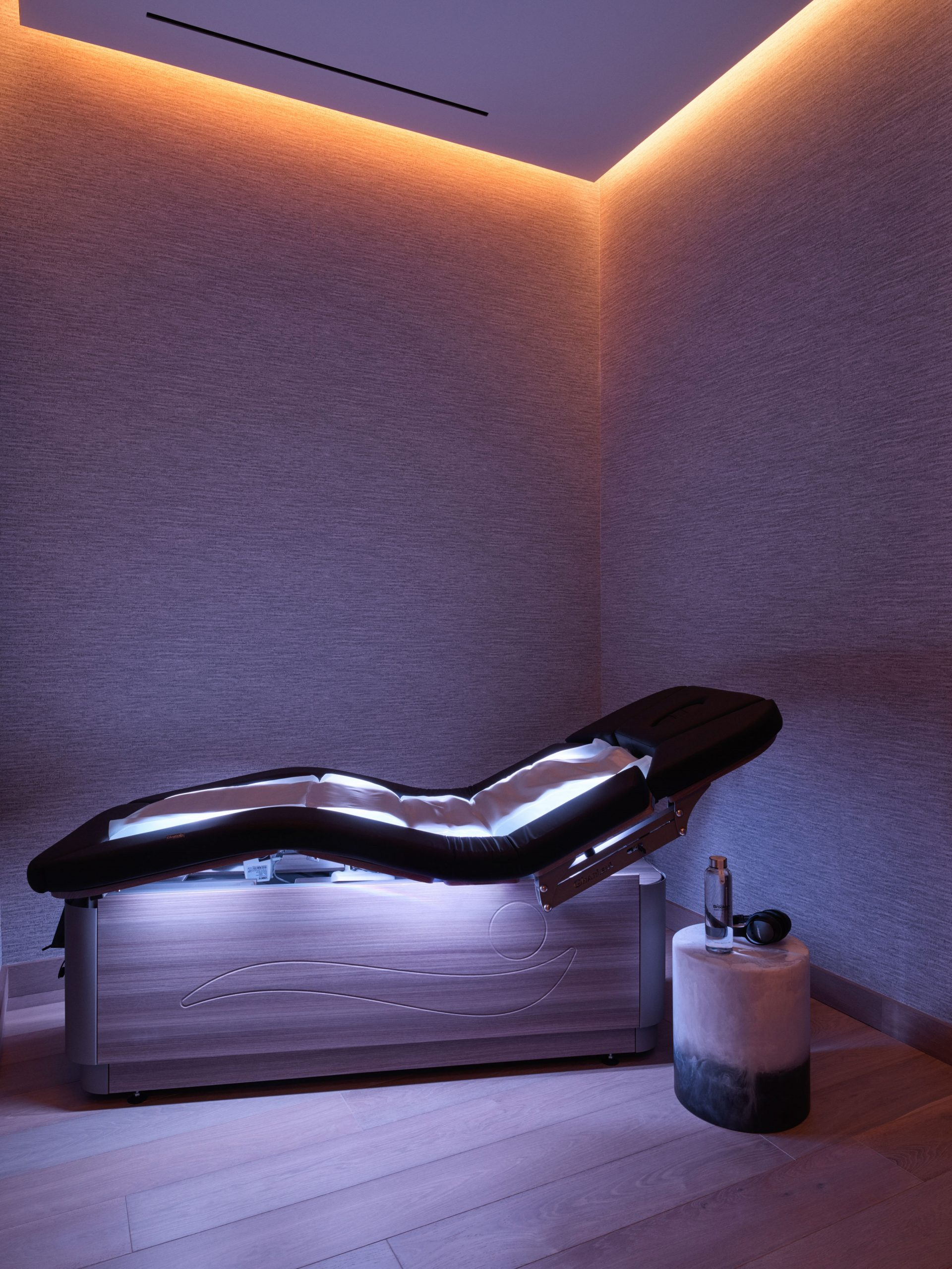 equinox hotel spa wavetable