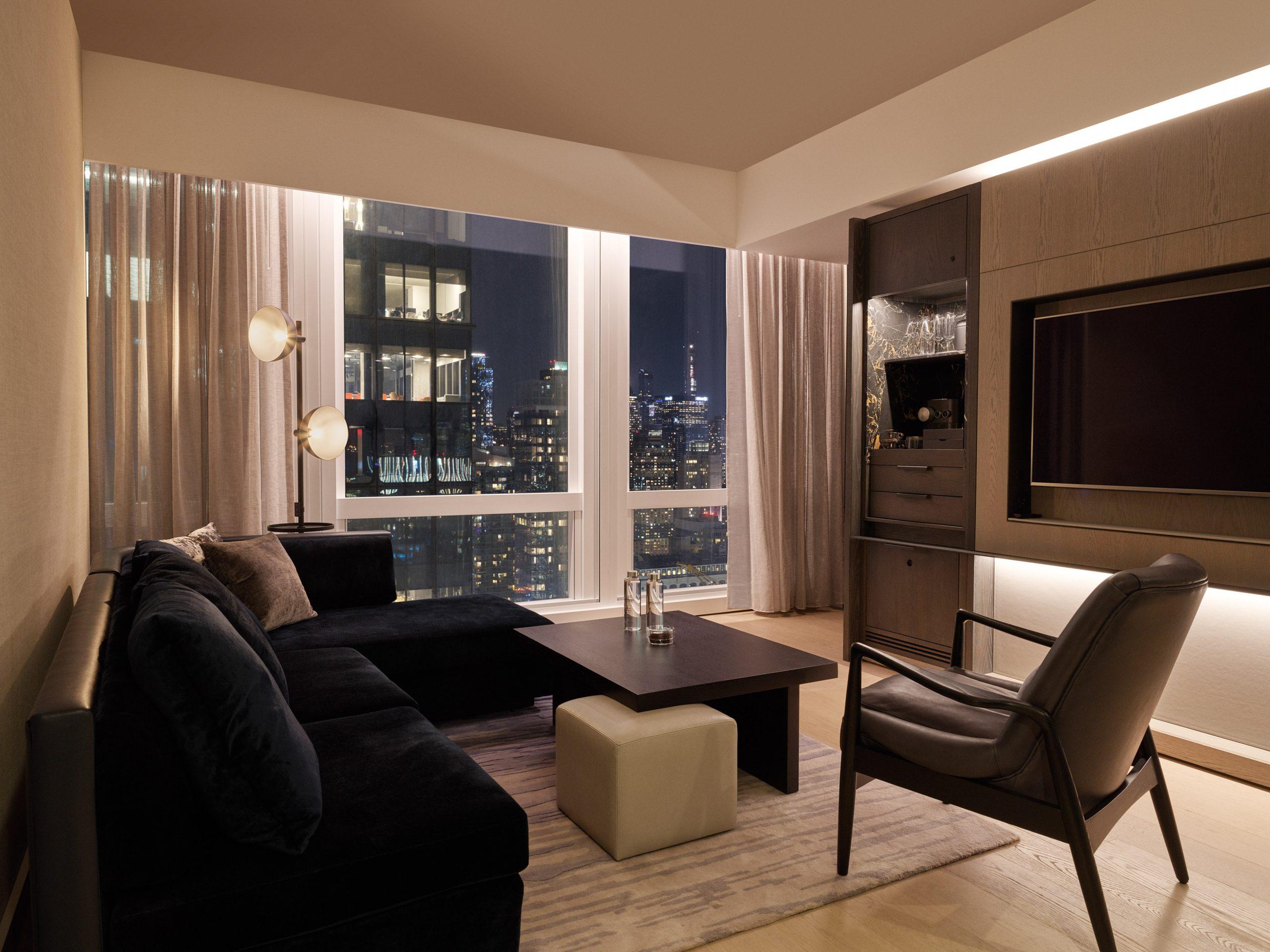 <deluxe suite living room