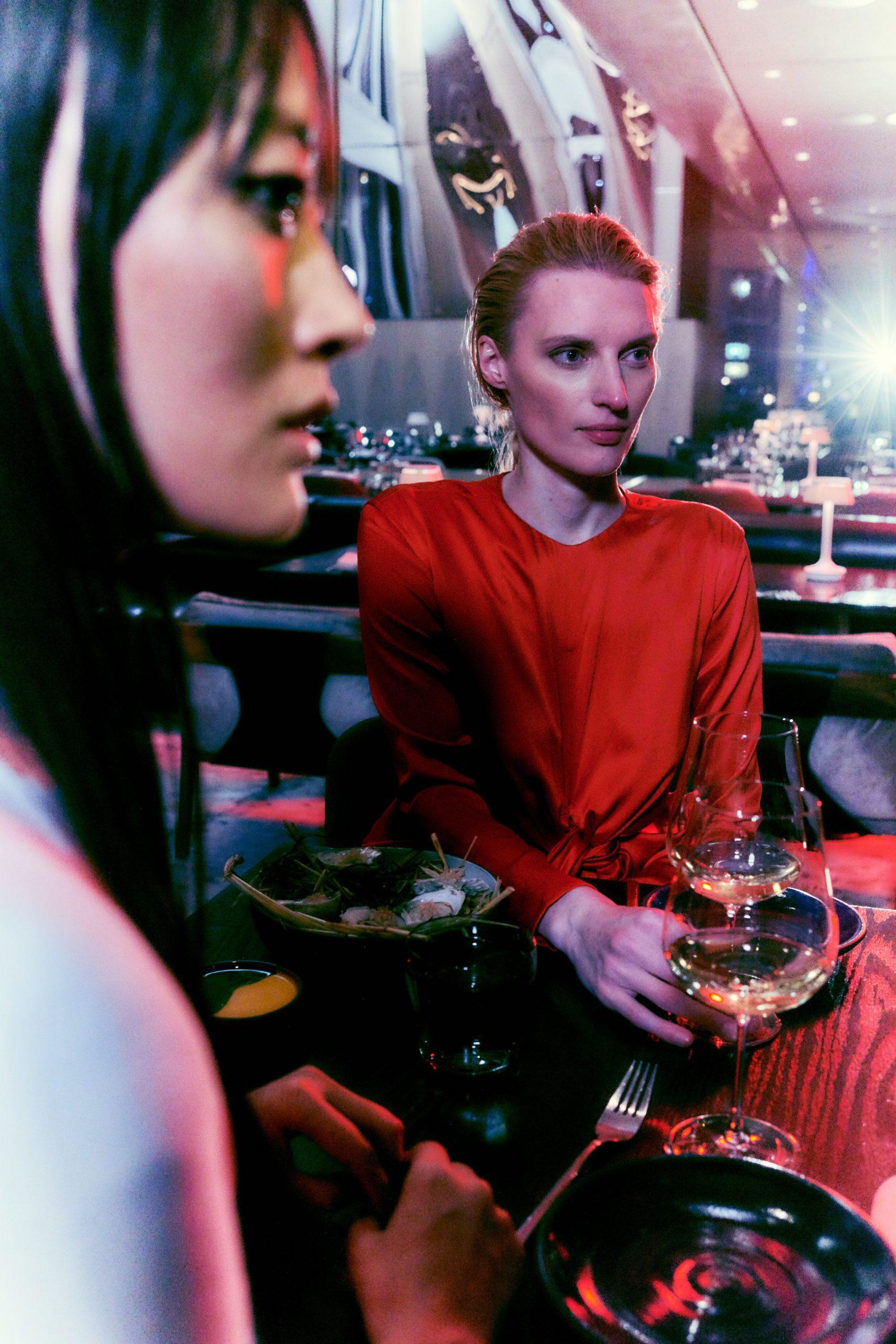 two girls having dinner and drinks in electric lemon restaurant